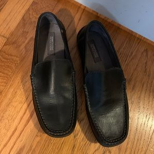 Black Kenneth Cole leather slip on shoes